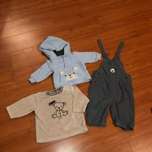 Adorable lot of bear-themed clothes size 6months